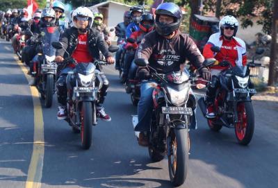 Ribuan Anggota Komunitas Motor Konvoi Peringati Hut Ke-74 RI