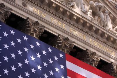 Wall Street Meroket, Saham Apple Naik 3%