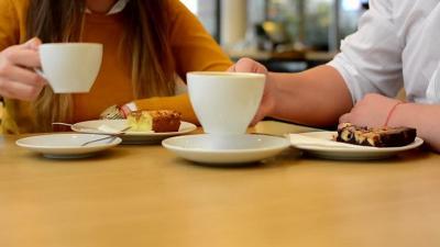 Cara Menikmati Teh dengan Makanan Pendampingnya