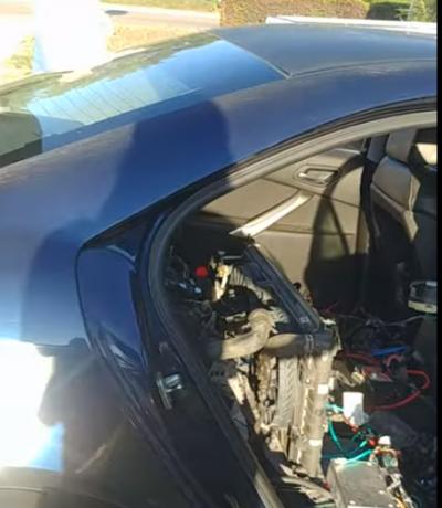 Modifikasi Ekstrem Pontiac G6 yang Miliki Dua Mesin Depan & Belakang