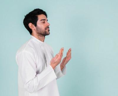 Anjuran Mengonsumsi Makanan Halal sebelum Berdoa