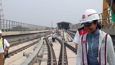 Tinjau Proyek LRT Jabodebek, Menteri Rini Targetkan Beroperasi Sebelum Akhir Tahun