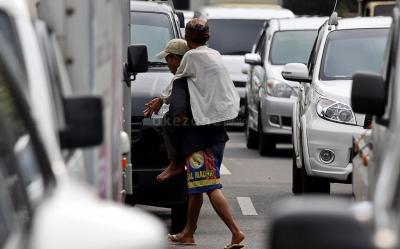 Dilema Pengemis: Gagal Bersaing di Ibu Kota, Ogah Pulang Kampung karena Malu