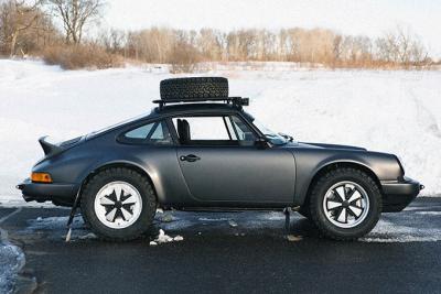 Edan! Mobil Sport di Modifikasi Jadi Kendaraan Rally
