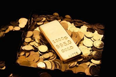 Harga Emas Melonjak 2% di Tengah Ketegangan AS dengan China