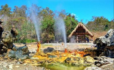 Wisata Unik di Pulau Alor, Air Panas Tuti Adagae