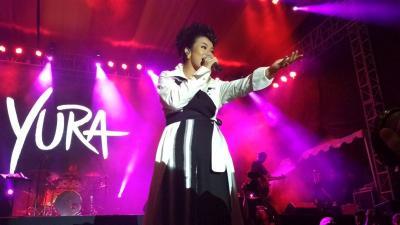 Tutup Balkon Jazz Festival 2019, Yura Yunita Menyanyi Sambil Bercerita