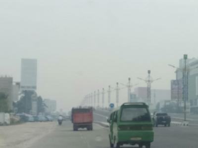 Atasi Karhutla Riau, TNI Tambah Pesawat untuk Lakukan Hujan Buatan