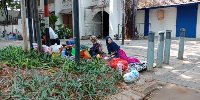 UNHCR Setop Beri Makan & Uang, Pencari Suaka Kembali ke Trotoar Kebon Sirih