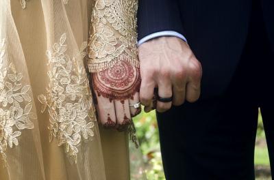 Doa Melindungi Suami dari Godaan Pelakor