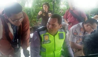 Nemplok di Kap Mobil, Bripka Eka Cabut Laporan terhadap Pengendara