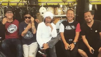 Penjelasan Sandy Terkait Hengkangnya Yukie dari PAS Band