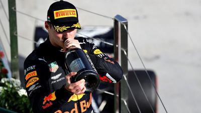 Verstappen: Sirkuit Marina Bay Salah Satu Favorit Saya!