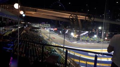 Serangkaian Hiburan Jelang Sesi Latihan Bebas Kedua F1 GP Singapura 2019