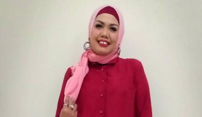 Artis Hijrah! Setelah Berhijab, Elly Sugigi Ingin Masuk Pengajian Muyawarah