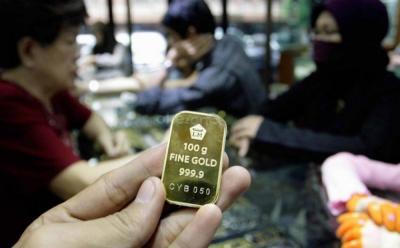 Harga Emas Turun Seceng ke Rp762.000 Gram di Awal Pekan
