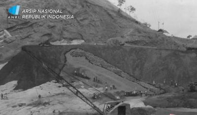 Jokowi Gencar Bangun Bendungan, Begini Potret Pembangunan 65 Tahun Lalu