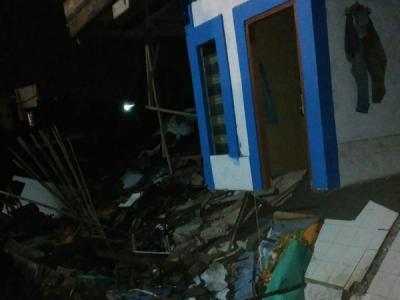 7 Rumah Rusak Tertimpa Longsor dan Pohon Tumbang di Bogor