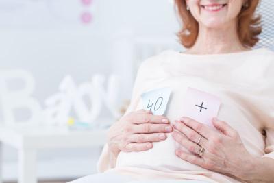 Mitos atau Fakta, Wanita Usia Tua Lebih Rentan Keguguran?
