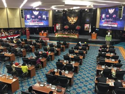 5 Pimpinan DPRD DKI Resmi Menjalani Sumpah Jabatan