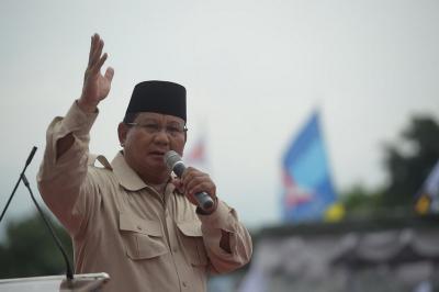 Prabowo Ingatkan Parpol Tak Ciptakan Oligarki saat Temui Petinggi Golkar