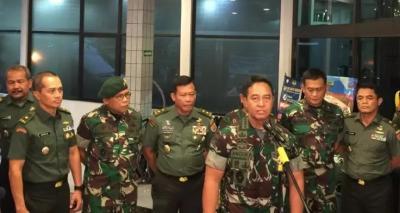 Petaka Nyinyiran Istri sang Prajurit TNI