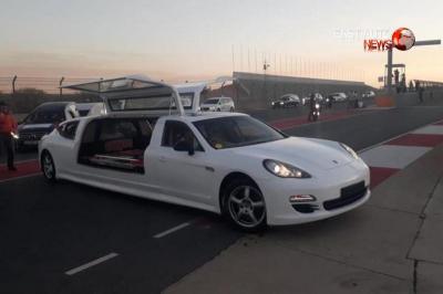 Mobil Supercar Berukuran Panjang Ini di Modifikasi Jadi Kendaraan Jenazah