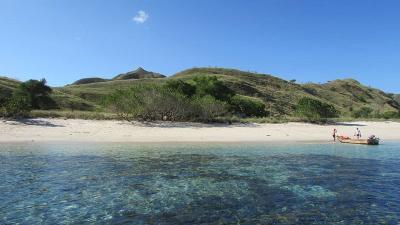 5 Pulau dengan Pantai Terindah di Indonesia Selain Bali