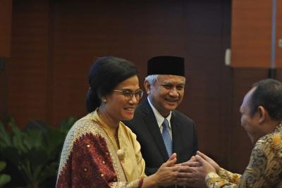 Jabat Menkeu Lagi, Sri Mulyani Tahan Tangis: Terima Kasih Suami atas Kesabarannya
