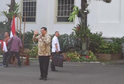 Jelang Pengumuman, Para Calon Menteri Kompak Hadir Berbaju Batik