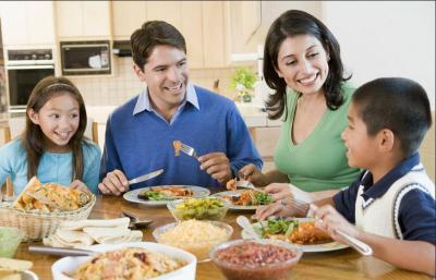 Ibu Muda Wajib Tahu, Ini Cara Jitu Ajari Anak Konsumsi Makanan Sehat