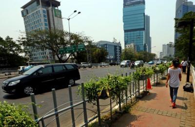 Cuaca Jakarta Diprediksi Cerah, Waspada Angin Kencang