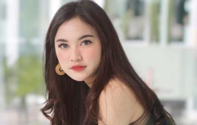 5 Potret Cantik Mahalini Pakai Crop Top, Kontestan Indonesian Idol dan Calon Dokter Gigi