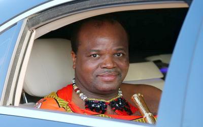 Gaya Hidup Mewah Raja Afrika, Borong Rolls-Rocye untuk 15 Istrinya