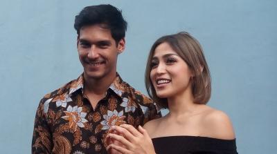 Intip Mesranya Foto Prewedding Jessica Iskandar dan Richard Kyle