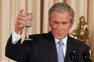 Peristiwa 20 November: Inggris Kuasai Surabaya Hingga Kunjungan George Bush ke Istana Bogor