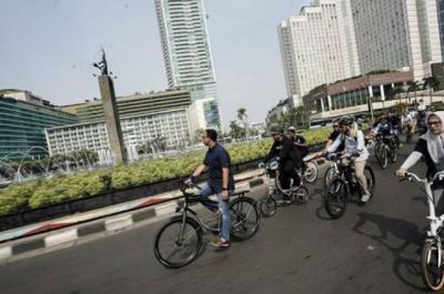 Hari Ini, Pengemudi yang Serobot Jalur Sepeda Didenda Rp500 Ribu