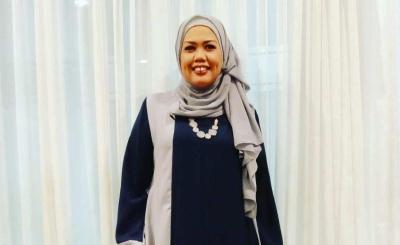 Tak Pakai Hijab saat Syuting, Elly Sugigi: Saya Cari Uang