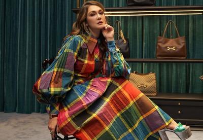 Luna Maya Foto Bareng Geng Gucci, Harga Outfit Capai Rp100 Jutaan