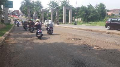 Ustaz Beben Meninggal karena Jalan GDC Depok Rusak