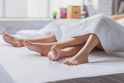 3 Gaya Bercinta Singkat yang Bisa Dipraktikkan Pagi Hari