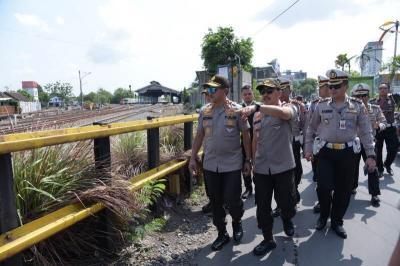 Cara Polisi Antisipasi Kemacetan Sekitar Perlintasan KA di Solo saat Libur Nataru