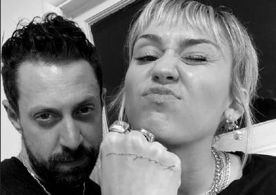 Arti Tato Baru Miley Cyrus, Tanda kalau Sudah Move On?