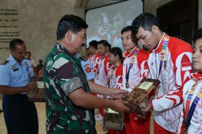 Panglima TNI : Saya Bangga Atas Prestasi Tim Karate Indonesia