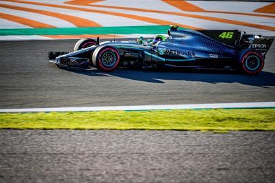 Jajal Mobil Hamilton, Rossi Merasa Cocok Jadi Pembalap F1