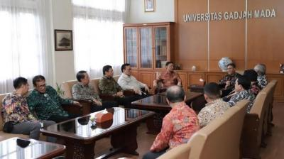 Ketua Wantimpres Wiranto Minta Masukan dari Akademisi UGM