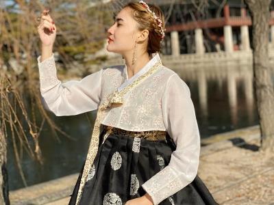 Intip Liburan Nella Kharisma di Korea, Tampil Menawan Pakai Hanbok