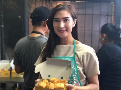 Viral di Media Sosial, Omzet Penjual Tahu Cantik di MRT Haji Nawi Meningkat Drastis, Amanda: Terima Kasih Netizen