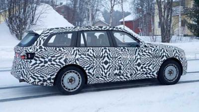 Pabrikan Mobil Asal Rusia Bikin Tiruan Rolls-Royce Cullinan, Dipasarkan 2022