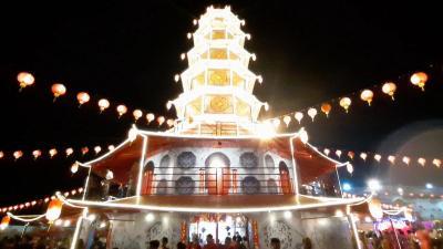 Rayakan Imlek di Singkawang, Jangan Lupa Tengok Pagoda Raksasa